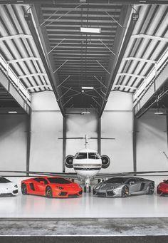 Lamborghini's x Private Jet - TuningCult.com