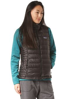 Patagonia Down - Weste für Damen - Schwarz - Planet Sports Patagonia Down, Sport, Winter Jackets, Vest, Asian, Products, Blue Green, Killed In Action, Amazing