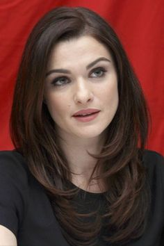 Rachel Weisz curled layered wisps at bottom of hair. Haircuts For Long Hair, Layered Haircuts, Hairstyles With Bangs, Short Haircuts, Long Hairstyles With Layers, Braided Hairstyles, Haircut Long, Blonde Hairstyles, Hairdos