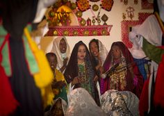 Tuareg Clothing | Tuareg girls in traditional dress, Ghadames, Libya | Flickr - Photo ...