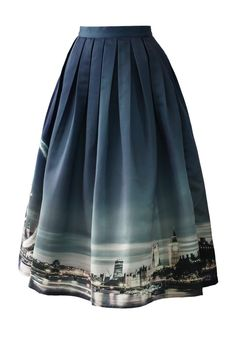 Many fashionistas name London as one of their bucket list dream destinations for the food, the fashion or both! Now, you may carry its night skyline with you wherever you go with our print midi skirt! With the navy blue sky ombreing down and the London Eye twinkling so beautifully, this skirt is the perfect fashionable reminder of one of the world's most beautiful cities!   - Chicwish Exclusive - Subtle pleated style - Concealed back zip closure - 100% Polyester - Hand wash  Size(cm) Length…