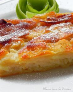 """Bolzano apple cake (fondant au pommes): un délice. Le créateur lui-même, qui n'est autre que Scott Carsberg, chef du restaurant Lampreia à Seattle: """"…ce gâteau n'est pas n'importe quel gâteau aux pommes. Il est  fait de pommes, dans ce sens que la pâte ne sert qu'à lier les """"briques"""" de pommes entre elles pour former un mur de pommes. (...) La surface caramélisée du gâteau forme une couche croquante... La texture du gâteau est moelleuse et divinement fruitée."""""""