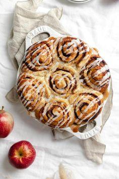 Cinnamon Roll Apple Cobbler - Broma Bakery