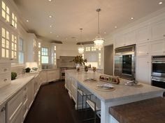 this kitchen is AMAZING