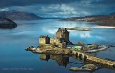 """See 651 photos and 39 tips from 3343 visitors to Eilean Donan Castle. """"Eilean Donan Castle was used in an establishing shot in The World Is Not Enough. Scotland Castles, Scottish Castles, Eilean Donan, Famous Castles, Fairytale Castle, Scotland Travel, Belle Photo, Beautiful Landscapes, Edinburgh"""