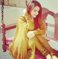 Dp by shao Cute Girl Poses, Senior Girl Poses, Girl Photo Poses, Girl Photography Poses, Girl Photos, Stylish Girls Photos, Stylish Girl Pic, Punjabi Girls, Punjabi Suits
