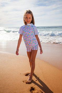 54 fantastiche immagini in costumi con protezione upf 50 per bambini su pinterest costume - Etichetta bagno donne ...