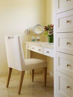 Фотография: Мебель и свет в стиле , Гардеробная, Хранение, Интерьер комнат, туалетный столик, женский интерьер – фото на InMyRoom.ru