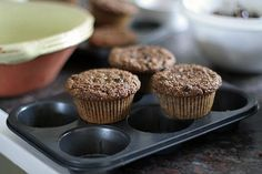 The famous super-moist Bran Muffin recipe from La Brea Bakery from David Lebovitz, pastry chef-author of The Sweet Life in Paris & The Perfect Scoop. Olive Oil Muffin Recipe, Healthy Desserts, Dessert Recipes, Bran Muffins, Breakfast Bake, Breakfast Club, Quick Bread, Muffin Recipes, Have Time