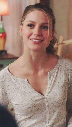 Melissa Marie Benoist, Melissa Benoist Hot, Kara Danvers Supergirl, Supergirl Tv, Supergirl Season, Nelissa Benoist, Beautiful Celebrities, Beautiful Actresses, Melissa Supergirl