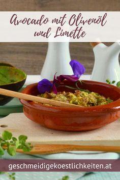 Avocado mit Olivenöl und Limette eignet sich besonders gut bei Zahnproblemen, Kau- und Schluckstörungen. #dysphagiekost #weichekost Dips, Brunch, Food To Make, Healthy Lifestyle, Avocado, Mexican, Homemade, Foodblogger, Breakfast