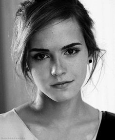 I love Emma Watson. So sexy, smart and a damn wizard! Best combination ever!