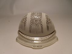 Antique off white wedding ring clamshell box   by Andersonsvintage, $75.00