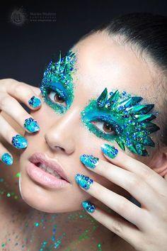 Peacock Glittering Eye Makeup And Nails