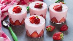 Fresh Strawberry Recipes, Strawberry Desserts, Mini Desserts, Panna Cotta, Beautiful Desserts, Gluten Free Desserts, Homemade Cakes, Food Inspiration, Sweet Recipes