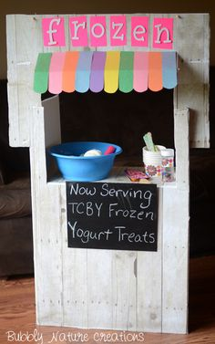 """Frozen Yogurt Stand from bubbly nature creations. She uses yarn to create the """"yogurt"""". So cute!"""