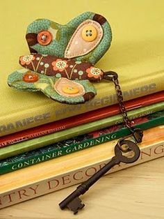 Quilted butterfly keychain! LOVE!!! #quilt #sew #keychain