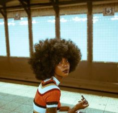 Big Afro hairstyles are basically the bigger and greater version of the Afro hairstyles. Afro which is sometimes shortened as 'FRO, is a hairstyle worn naturally outward by The African American black people. Curly Hair Styles, Natural Hair Styles, Big Natural Hair, Natural Beauty, Foto Fantasy, Photographie Portrait Inspiration, Black Girl Aesthetic, Afro Hairstyles, Black Girls Hairstyles