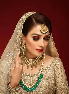 10 Most Gorgeous Photo Shoots of Ayeza Khan | Reviewit.pk
