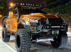 Wir sind der Meinung mehr geht an einem Ford Ranger nicht. Die Jungs von Autobot Autoworks haben diesen Ranger Wildtrak aufs extremste modifiziert.