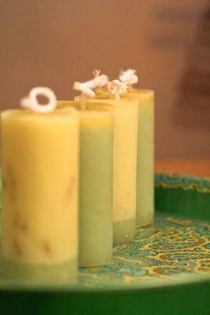 Kerzen aus Wachsresten gegossen in Toilettenpapierrollen / Candles made from…