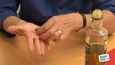 C'est une astuce très simple et très efficace qui permet de démêler en quelques instants une chaîne ou un collier en or. D'autres videos: http://www.minutefacile.com