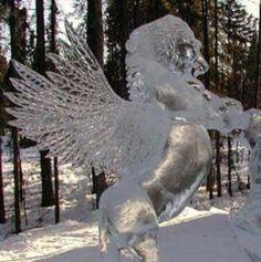 Escultura de un caballo en hielo Fairbanks, Alaska