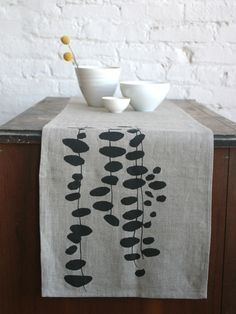Block printed linen tablerunner. Love these organic shapes.