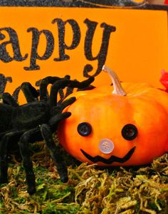 Easy no-knife pumpkin decorating, perfect for the little ones | Fall 2015: Ella & Annie Magazine