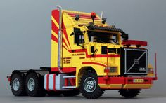 Recently I updated this Volvo new wheelarches at the rear, replacing old grey with bluish grey parts and a lot of chassis modifications. Lego Truck, Toy Trucks, Lego Technic, Bateau Lego, Lego Ship, Amazing Lego Creations, Lego Toys, Volvo Trucks, Lego Worlds