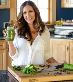 Raw Renewal Cleanse Program is a powerful, 7-day group detox program, combining seasonal whole food recipes with the support and accountability of like-minded people. During this cleanse, participants enjoy seasonal fruits, vegetables, leafy greens, nuts and seeds.