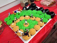 Baseball Field Cupcake Cake Baseball Cupcake Cakes, Baseball Field Cake, Baseball Birthday Party, Birthday Fun, First Birthday Parties, Pull Apart Cupcake Cake, Pull Apart Cake, Cute Cupcakes, Cupcake Cookies