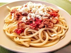 Makaróny s tuniakovou omáčkou, Hlavné jedlá, recept | Naničmama.sk Spaghetti, Food And Drink, Ethnic Recipes, Noodle