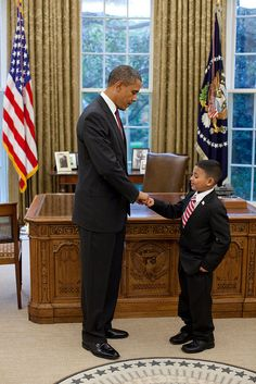 For being an inspiration to our youth.President Barack Obama fist-bumps Make-a-Wish child Juan Blanco in the Oval Office, Oct. (Official White House Photo by Pete Souza) Black Presidents, Greatest Presidents, American Presidents, Presidents Usa, First Black President, Mr President, Presidente Obama, Barack Obama Family, Barack And Michelle