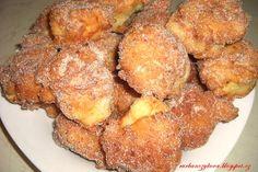 Jsou chutné a jsou za chvíli připravené http://rurbanczykova.blogspot.cz/2013/09/rychle-tvarohove-koblizky.html