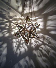 lamp emitting amazing shadows