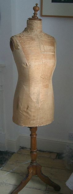 GOODWINS of London Beautiful Shabby Vintage Female Mannequin