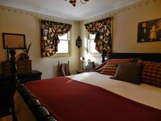 Primitive Colonial Master Bedroom   Love Every Inch (minus The Curtains).  Woven Coverlet