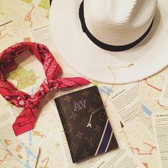 Paris essentials   La Vie de Villa #fashion #streetstyle #blogger
