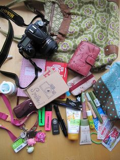 http://mademoisellemarie.typepad.com/blog/whats-in-my-bag/