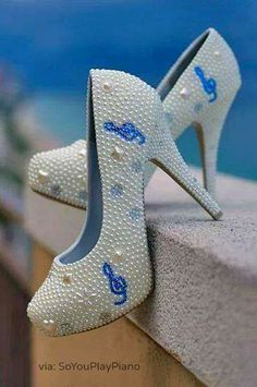 Piano music shoes for your recital . How To Choose A Wedding Band Music High Heels Boots, Shoes Heels, Heel Boots, Cute Shoes, Me Too Shoes, Music Shoes, Wedding Band Styles, Wedding Heels, Wedding Rings