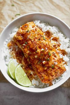 Spicy Honey Garlic Salmon - broiled Honey Garlic Salmon recipe You are in the right place about fall recipes Here we offer you - Fish Recipes, Seafood Recipes, Dinner Recipes, Cooking Recipes, Healthy Recipes, Cooking Ideas, Cheap Clean Eating, Clean Eating Snacks, Honey