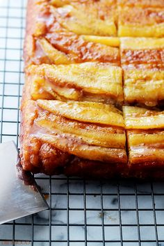 """Stranger Things party ideas: The """"Bananas Foster"""" Upside Down Cake"""