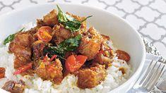 Crisp-fried pork belly with sticky tomato shrimp paste sauce (binagoongang baboy) recipe : SBS Food Shrimp Recipes, Pork Recipes, Pasta Recipes, Cooking Recipes, Liver Recipes, Recipies, Fried Pork Belly, Fried Liver, Kitchens