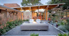 Modern Landscaping by Bernard Trainor + Associates