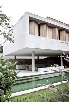 /// Casa 6, São Paulo, Brasil by Marcio Kogan