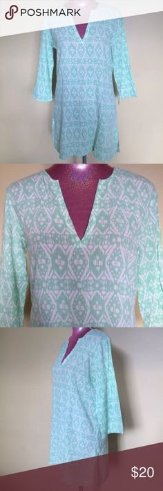 "J Crew Ikat Cotton Gauze Tunic Size small - approx. measurements laying flat- 20"" W across chest - 29"" L shoulder to hemline  100% cotton - gauzy texture - mint green and white Ikat print - Tunic style - side slits at hemline Excellent pre-owned condition with no stains, tears or odors J. Crew Tops Tunics"
