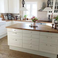 Moderne Wohnküche Mit Holzelementen Eiche Altholz, Insel