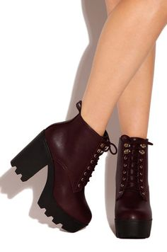 Tough Icon - Burgundy - Lola Shoetique