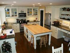 Country Woodworkers - Kitchen Gallery of Webb Residence